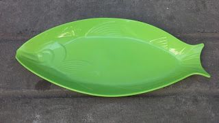 Selatan Jaya distributor barang plastik Surabaya: Piring plastik bentuk ikan merk Metroplast kode Pk...