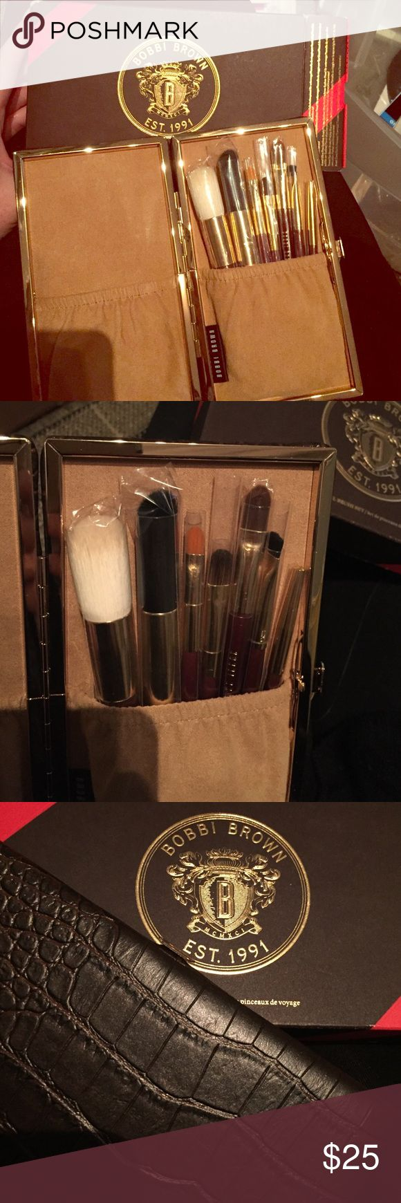 Bobbi Brown brush set, brand new, orig $55 Bobbi brown brush set with seven brushes in a luxurious brown faux croc set. Never used! Bobbi Brown Makeup Brushes & Tools