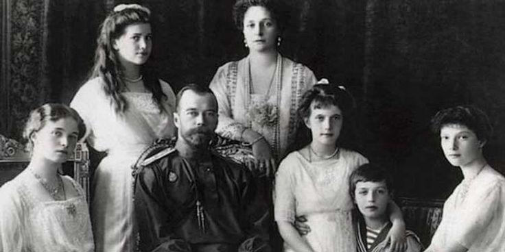 30 ottobre 1905: Lo Zar Nicola II di Russia concede alla Russia la sua prima costituzione