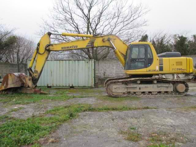 We sell cheap Excavator Komatsu PC 290 NLC-6 Second Hand. Manufacture year: 2001. Working hours: 21000. Excellent running condition. Ask us for price. Reference Number: AC3649. Baurent Romania.