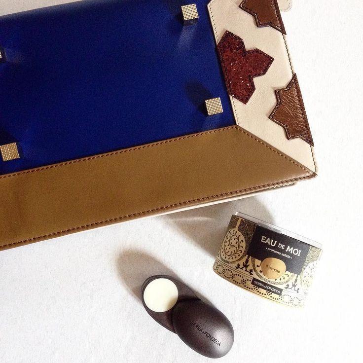 Buongiorno... #newparfum ilNARCISO #eaudemoi @serra_fonseca perfect into my bag #manurina #narcissus #design #pretaporter by manurina
