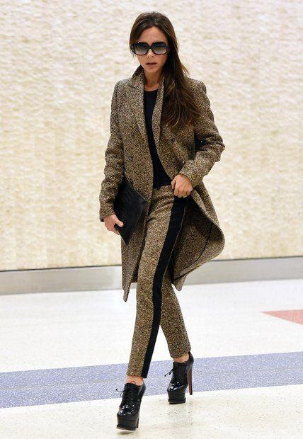 Fashion-Looks: Bei ihrer Ankunft in New York präsentiert sich Victoria Beckham…