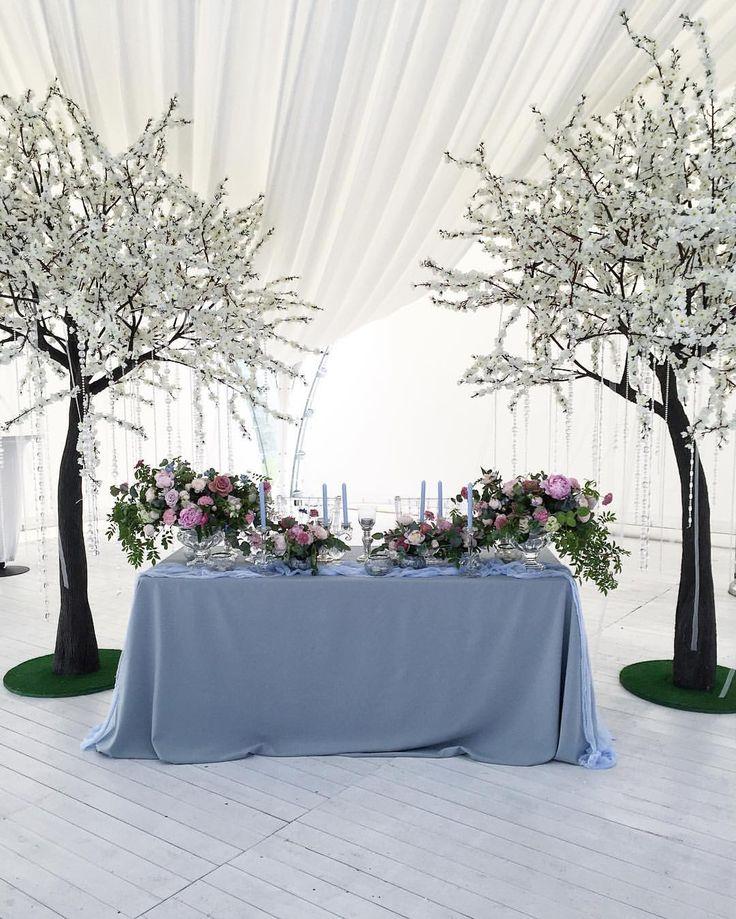 "212 Me gusta, 1 comentarios - International Wedding Design (@dinayakushinadesign) en Instagram: ""Cold colors of classic beauty. Special for @2apelsina #wedding #weddingdecor #weddingstory…"""
