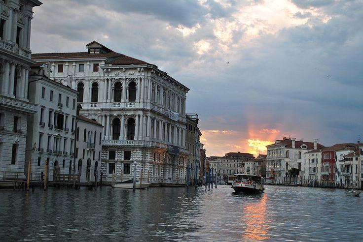 Caía la tarde en Venezia.