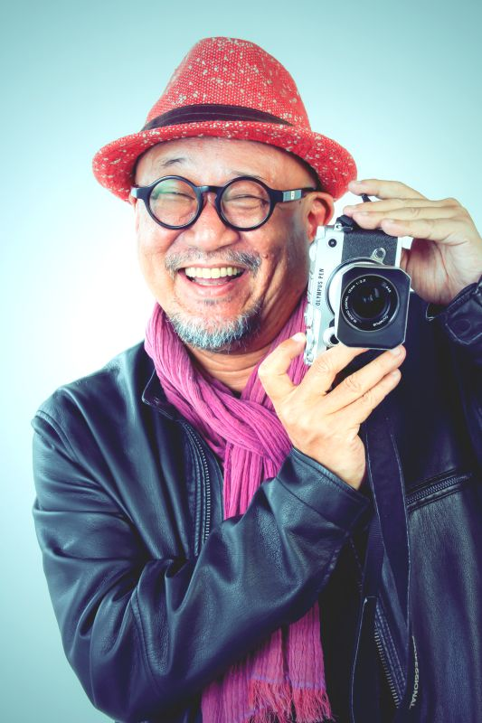 ゲスト◇HARUKI(ハルキ)1959年広島市生まれ。九州産業大学芸術学部写真学科卒業後、上京と同時にファッションからヌードまでポートレート撮影を中心にフリーランスで活動。「第35回・朝日広告賞・表現技術賞」、「100 Japanese Photographers」、「パルコ・期待される若手写真家展」、などに選出、個展多数開催。近年では世界各国でのスナップショット撮影やエッセイも執筆。プリント作品は国内外の美術館などに収蔵。日本写真家協会(JPS)会員