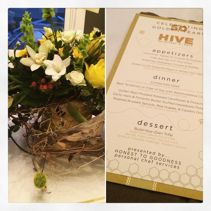 Let the holiday parties begin! Our crowd was all a-buzz tonight with our un-bee-lievable attention to detail. Thank goodness for our fabulous friends at DeLaurenti's Florist and @perfectpressprinting for making the dinner table bee-utiful!