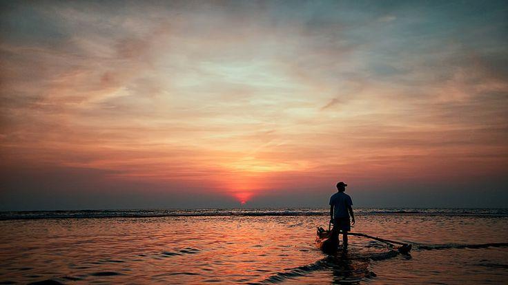 Sunset, Beruwala, Sri Lanka #SriLanka #Beruwala #Sunset #Boat