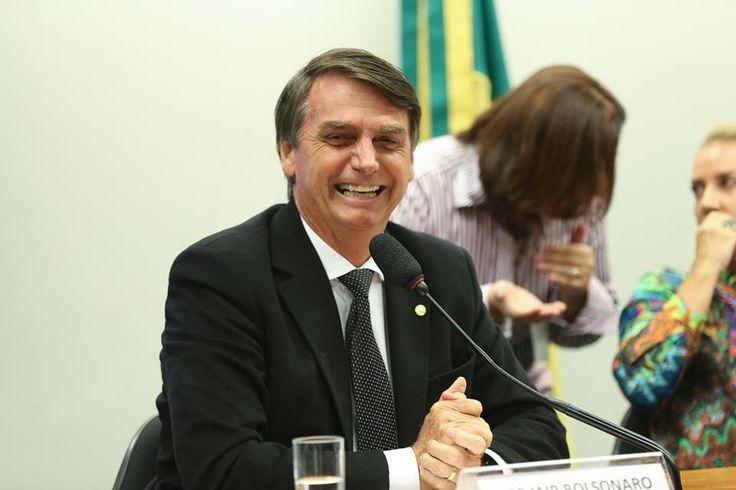"""Bolsonaro diz que no Exército sua """"especialidade é matar"""" e """"não curar ninguém"""" - https://forcamilitar.com.br/2017/07/01/bolsonaro-diz-que-no-exercito-sua-especialidade-e-matar-e-nao-curar-ninguem/"""