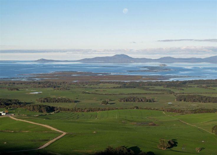 Views of Wilson's Promontory  http://www.stayz.com.au/accommodation/vic/phillip-island-gippsland/waratah-bay/149599