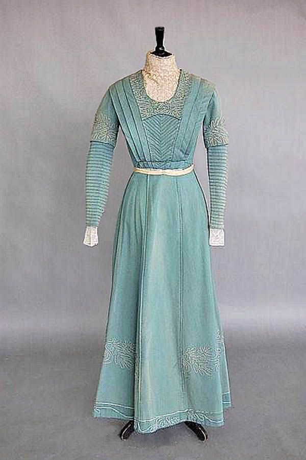 Day dress ca. 1910. Pale blue wool with pleated bodice and high lace neckline. Kerry Taylor Auctions/Invaluable