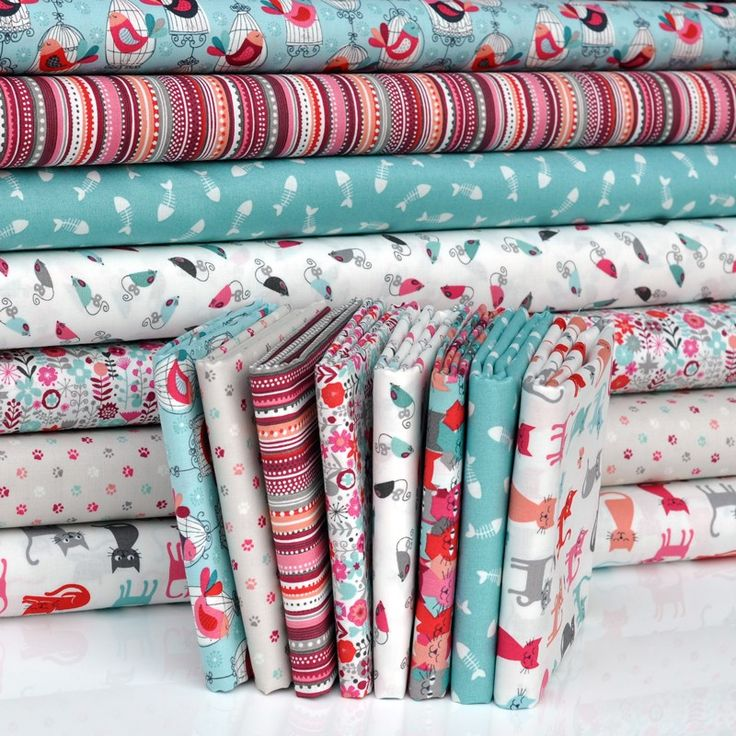'Cats' by Makower, FQ Bundle Cottons: 8 Fabrics | www.plushaddict.co.uk