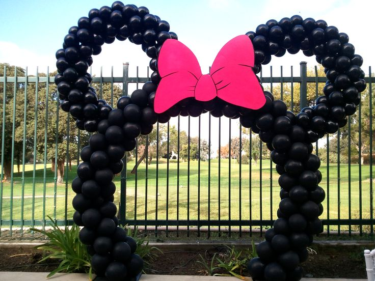 arco de globos | Minnie Mouse ideas | Pinterest
