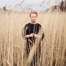Aino Venna on solistinsa Aino Vennan mukaan nimetty yhtye joka ottaa vaikutteita menneestä, mutta elää vankasti tässä päivässä.  Teatteri Vanha Juko, 15.5.2015.