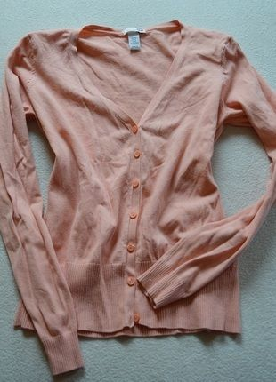 Kup mój przedmiot na #vintedpl http://www.vinted.pl/damska-odziez/swetry-z-dekoltem-v/11029552-sweterek-dlugi-rekaw-rozmiar-m