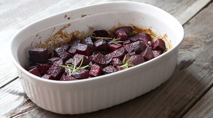Rosemary roasted beets glazed with honey and balsamic vinegar. The perfect slightly sweet and savory side dish for any meal!