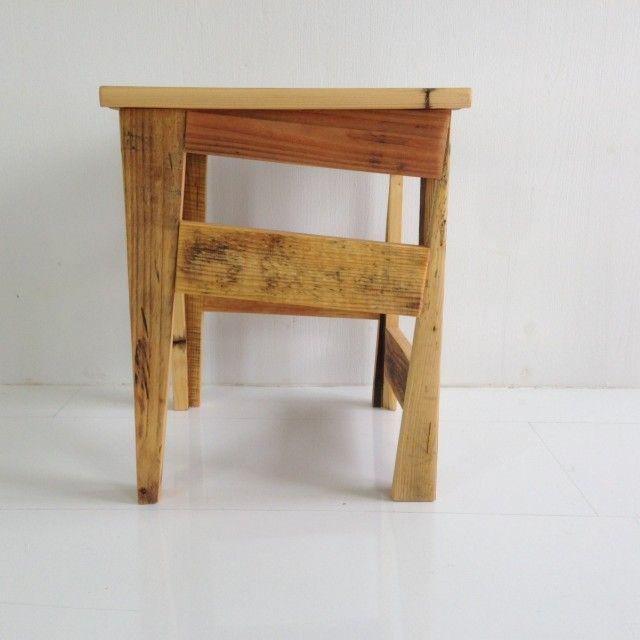 ber ideen zu paletten hocker auf pinterest palletten hocker und palettenbar. Black Bedroom Furniture Sets. Home Design Ideas
