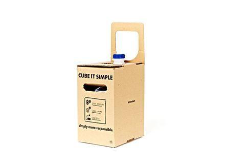 Bag in box per colla: Questo imballaggio si ispira al mondo del vino, è un semplice cubo, riduce le perdite di prodotto (colla). Inoltre il cartone è certificato FSC.