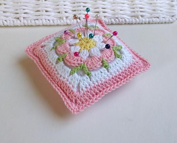 Crochet pincushion in Granny Square style