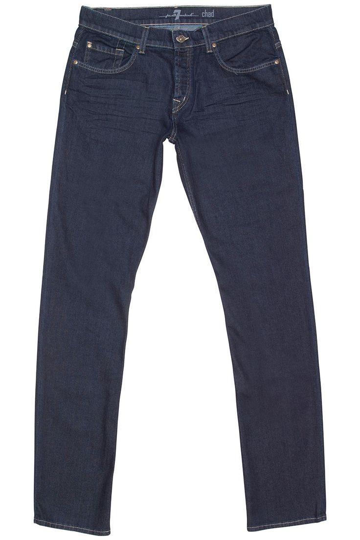 Zeer soepele ongewassen donkerblauwe stretch jeans van 7 For All Mankind. Het model is Chad, the low slim.