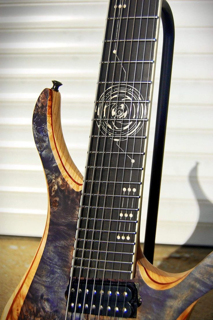 Skervesen Guitars fretboard inlay