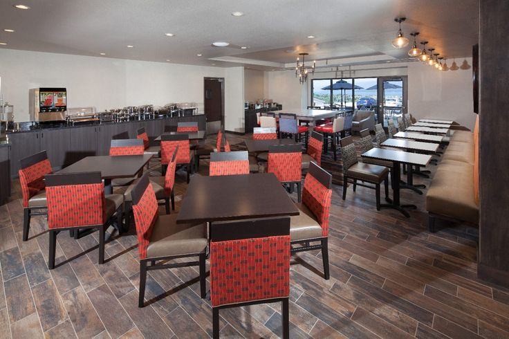 Red Lion Ridgewater offers a complete breakfast with every stay.  To book, ITEX Members must contact the ITEX Spokane office at 509.482.2700