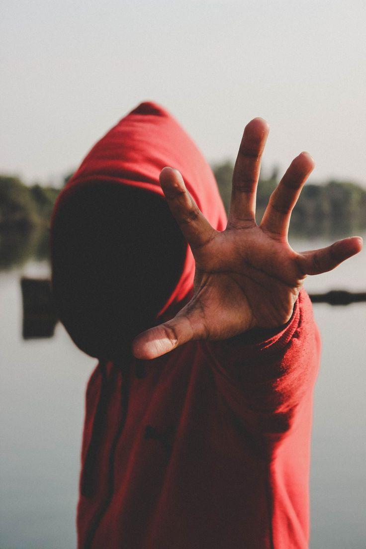 ¿Qué es bullying o acoso escolar? | Sol Psi  ||  Todo sobre el bullying: definición, características, tipos, causas, efectos, formas de prevenirlos y posibles soluciones al acoso escolar. https://www.solucionespsicologia.com/que-es-bullying-o-acoso-escolar/?utm_campaign=crowdfire&utm_content=crowdfire&utm_medium=social&utm_source=pinterest