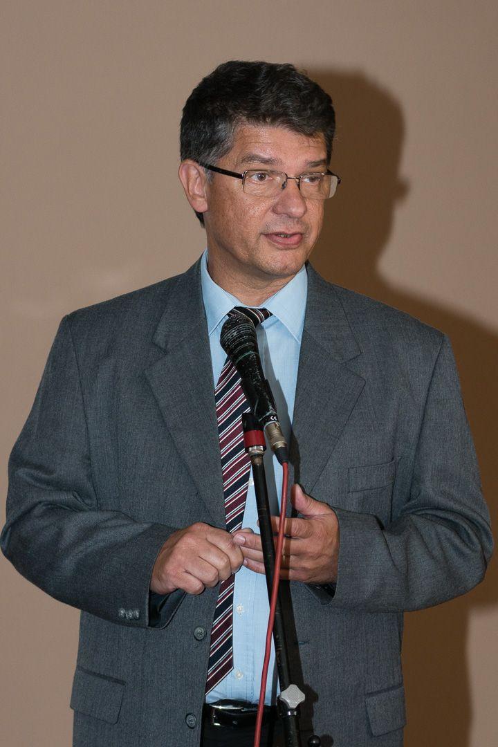 Dr. Gera Tibor