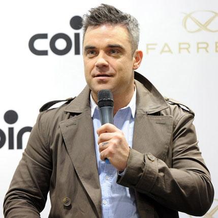 Robbie Williams in esclusiva da COIN