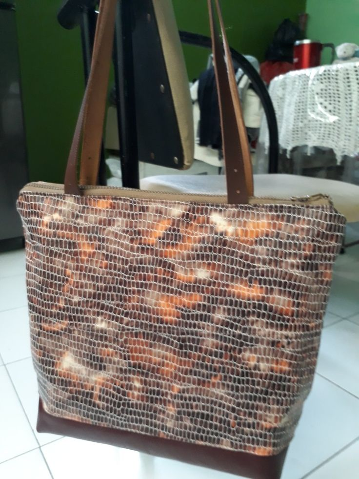 Tote bag with leather combination