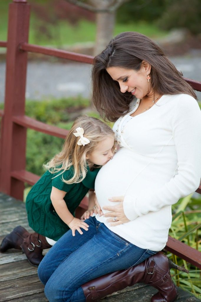 Kiss mommies tummy...by Heather Sisemore Photography