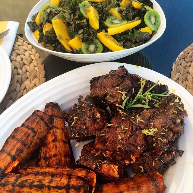 Grilled rosemary lemon lamb chops with spiced (not spicy) sweet potatoes and red kale, mango & kiwi salad... Turned out to be a great day! @zimmysnook