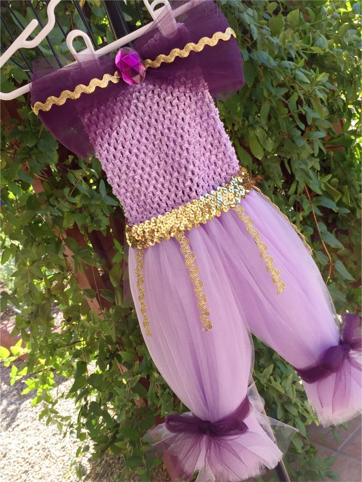 Genie costume- Shimmer & Shine costume- Shimmer and Shine- shimmer and shine genie- purple genie- halloween costume- tutu by traceoflace on Etsy https://www.etsy.com/listing/483953123/genie-costume-shimmer-shine-costume