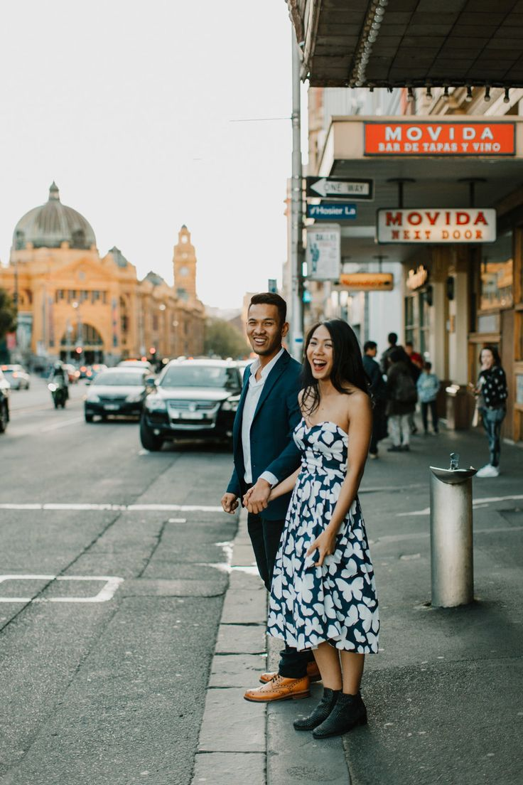 Beautiful and casual engagement shoot in Melbourne, Australia. Photography by PixlPopr.