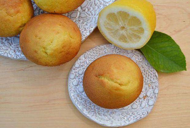 Muffins au citron, une recette de muffins moelleux, délicieux avec une saveur citronnée, à réaliser facilement et rapidement avec votre thermomix.