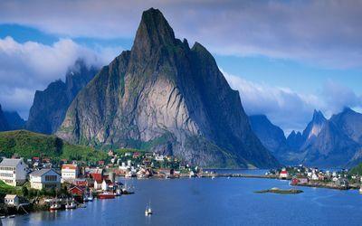 Village in Sognefjord, Norway wallpaper