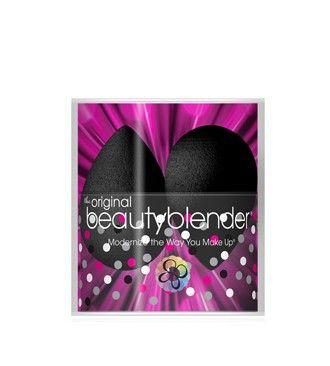 Beautyblender® Pro double Speciális sminkszivacs dupla kiszerelésben, tartóval fekete színben  Egy speciális, latex mentes sminkszivacs, mellyel az alapozó vékonyan és egyenletesen vihető fel az arcra. Egyedi formája a nehezen hozzáférhető helyeken is tökéletes alapozást tesz lehetővé.