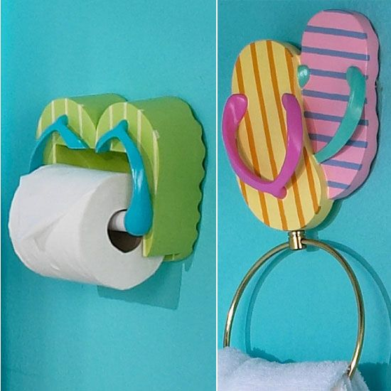 Flip Flop Bathroom Accessories... love this. Could do with a beach theme a bucket & shovel cut in half to put on the walls , paint sand castle.. cute .♡