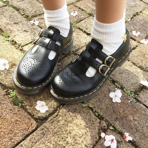 DOC'S & SOCKS: The 8065 Mary Jane shoe, shared by _caolin_.