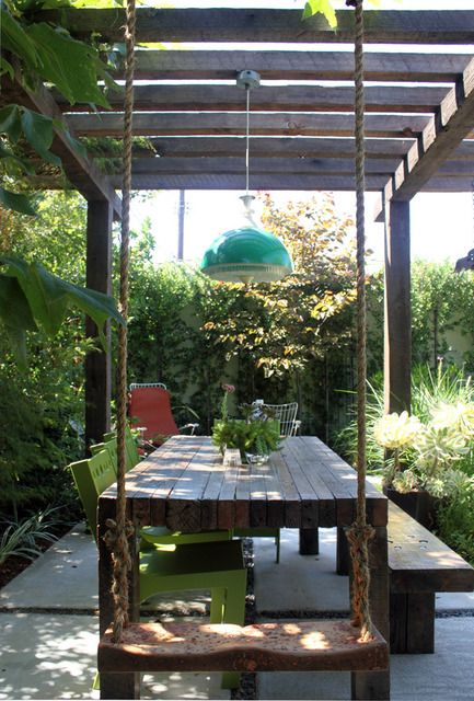 Gunga, pergola. Swing at the end of a table - and I really like the bench on one side and chairs on the other. Really great space~
