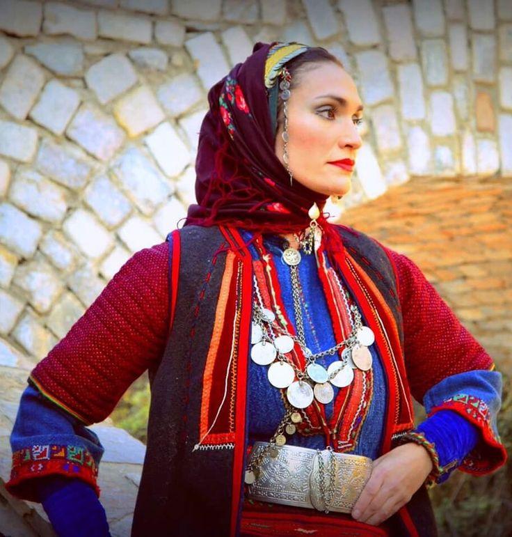 Πανελλήνια ομοσπονδία πολιτιστικων συλλόγων Μακεδονων#πλαισια καταγραφής Μακεδονικής φορεσιας#αυθεντικη φορεσια βωλακα Δραμας#Ζαχαρακη Ρανια