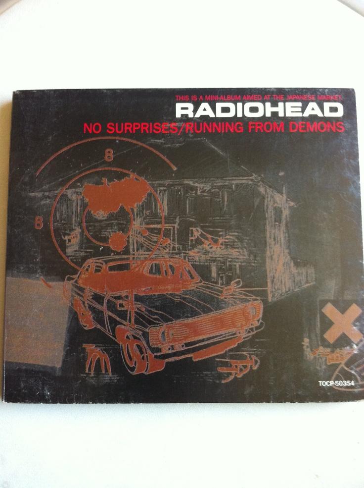 Radiohead volvió a editar un EP el año 1997, donde se reunen algunos lados-b del OK Computer. Difícil de conseguir porque sólo fue editado en Japón, lo pude comprar por internet junto al EP Itch.