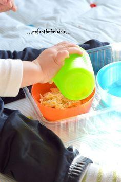 Coucou !! Si il y a une activité dont tout les 12 - 20 mois raffolent , s'est bien le transvasement de contenant à contenant !! Ici j'utilise des pâtes, je sais que jouer avec la nourriture n'est pas la meilleur chose à faire mais celles ci sont vielles,...