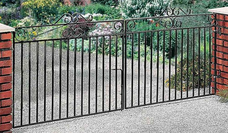 Marlborough Wrought Iron Metal Driveway Gates (4ft High) | Buy Gates Direct