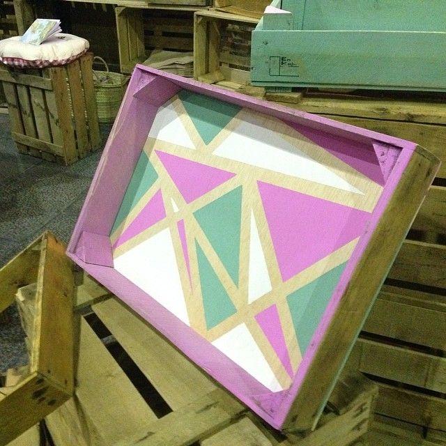 wooden crate. cajon. crate. fruit box. wooden box. box. caja de madera. caja de fruta antigua. madera. handmade. bandeja. triangle. colors. pastel. www.enkaja.es, enkajashop@gmail.com