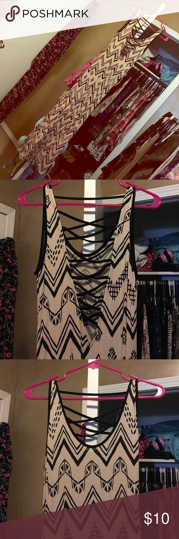 Tribal maxi dress Tribal maxi dress with scoopneck and crisscross deep v in the back Dresses Maxi