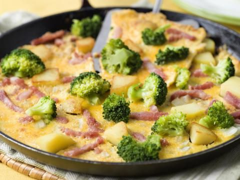 Broccoli is één van onze favoriete groenten: het hele jaar door te vinden in de winkel, en bomvol vitamines en mineralen! Redenen genoeg om deze groente regelmatig op het menu te zetten. Benieuwd naar onze favoriete recepten?