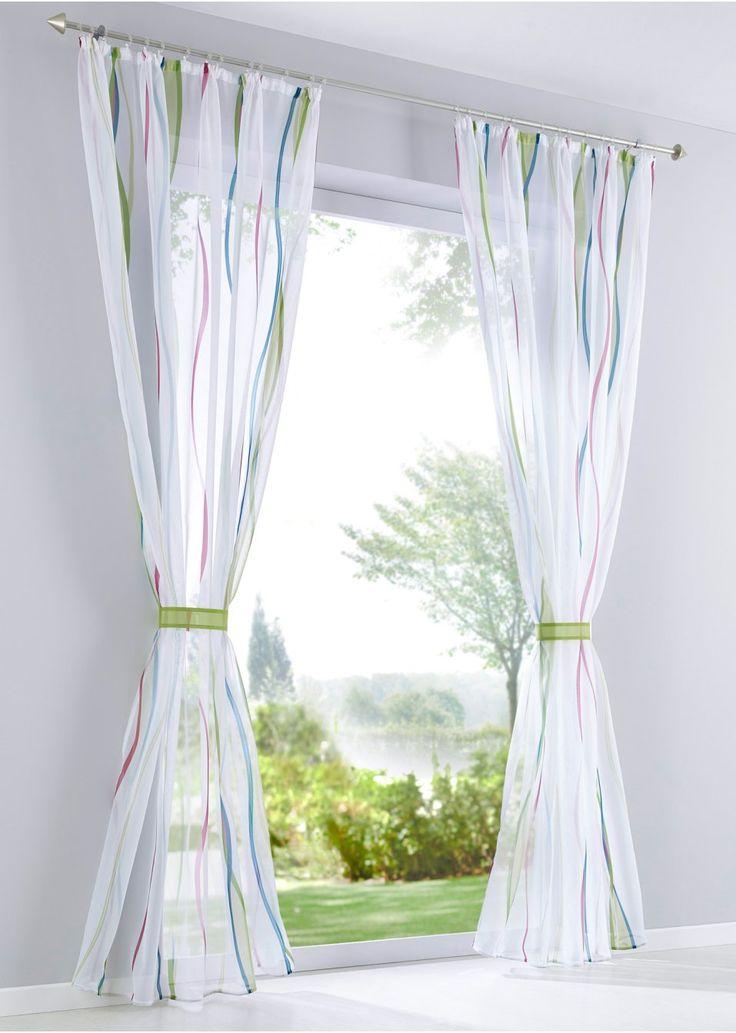 Bekijk nu:Mooi gordijn met kleurrijke, golvende print die op de fijndradige voile heel mooi tot zijn recht komt. Het gordijn laat aangenaam veel licht in de kamer vallen. Gezellig en mooi!
