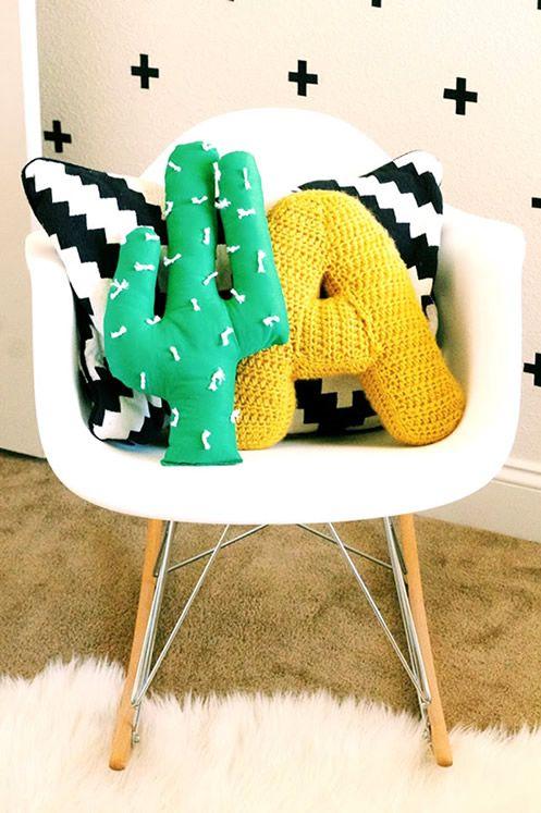 almofada artesanal para quarto infantil