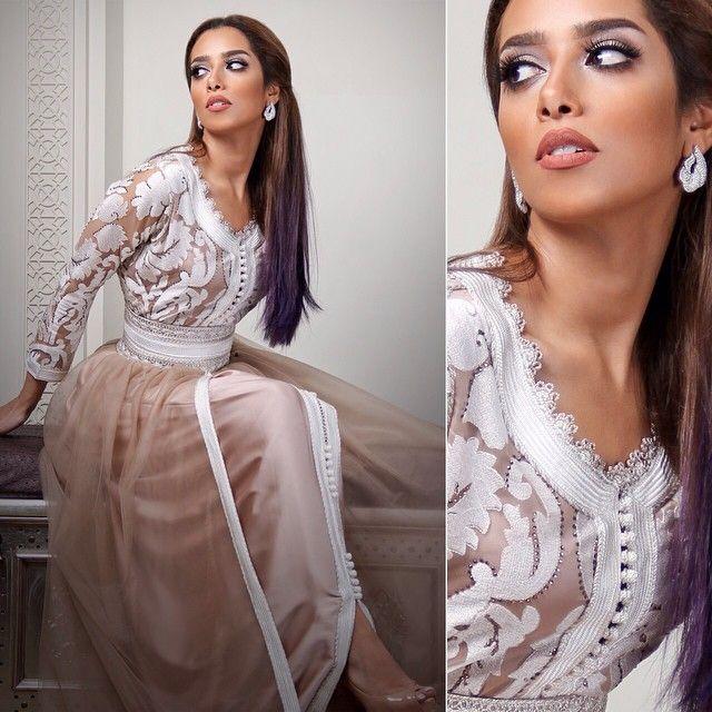 Yemenite singer Balkis wearing a Moroccan takchita #moroccancaftan
