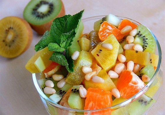 Фруктовый салат с золотым киви рецепт – вегетарианская еда: салаты. «Афиша-Еда»